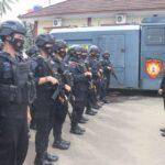 Brimob Disiagakan Dalam Pengamanan Ormas di Mapolda Banten. Foto: Arman/Jakarta.terkini.id.